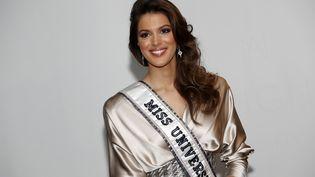Iris Mittenaere, Miss Univers, le 17 janvier 2017, à Paris. (PATRICK KOVARIK / AFP)