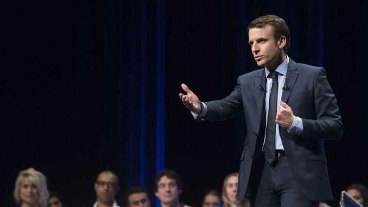 Le candidat à la présidentielle, Emmanuel Macron, le 28 avril 2017 à Angers (Maine-et-Loire). (SEBASTIEN SALOM-GOMIS / SIPA)