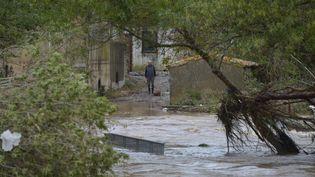 Le village deVillemoustaussou (Aude) inondé, le 15 octobre 2018. (PASCAL PAVANI / AFP)