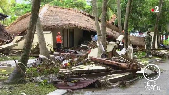 Indonésie : les recherches se poursuivent après le tsunami