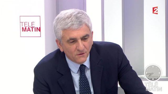 """Pour Hervé Morin, """"il y a peu de différences entre Macron et Juppé"""""""