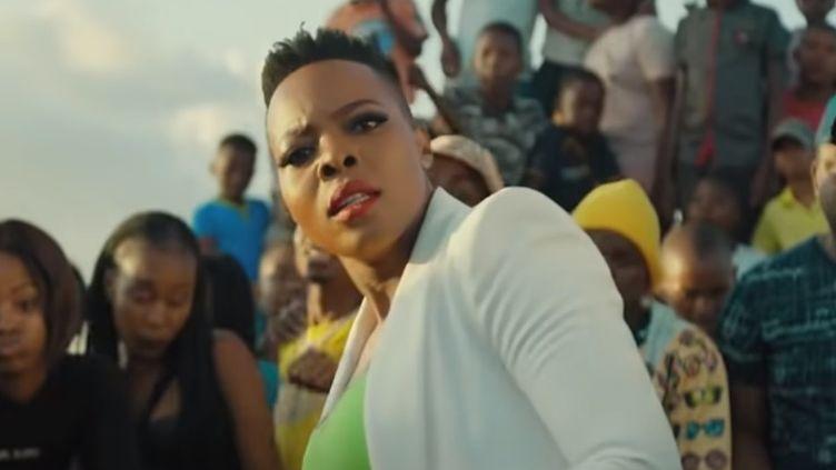 "Nomcebo Zikode dans son clip ""Jerusalema"". (CAPTURE D'ECRAN YOU TUBE)"