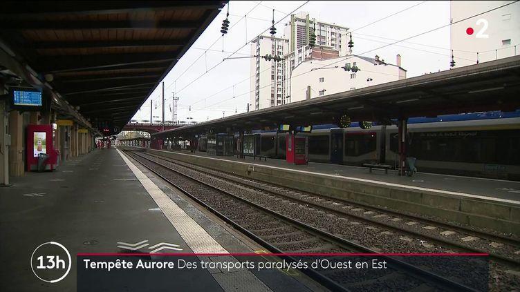 Tempête Aurore : plusieurs gares interrompent leur trafic (FRANCE 2)