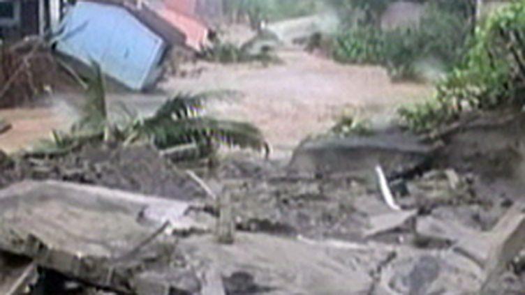 Scène de désolation au Salvador, après le passage de l'ouragan Ida (09/11/2009) (France 2)