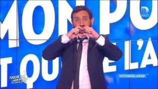 """Cyril Hanouna dans l'émission spéciale """"C'est que de l'amour"""", le 20 novembre 2015. (Capture d'écran replay de C8)"""