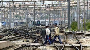 Voies ferrées de la gare Saint Charles à Marseille. (ANNE-CHRISTINE POUJOULAT / AFP)