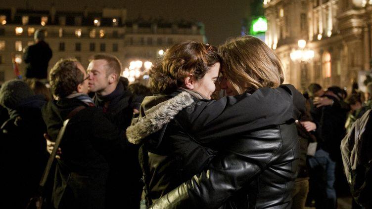 Devant l'Hôtel de Ville de Paris, durant une manifestation contre l'homophobie, le 15 novembre 2012. (CITIZENSIDE.COM / CITIZENSIDE.COM)