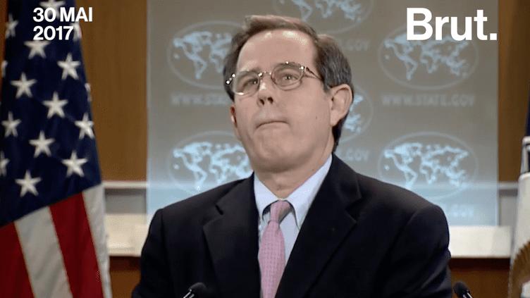 Un journaliste de l'AFP a laissé silencieux plusieurs secondes le secrétaire adjoint américain des affaires du Proche-Orient en lui demandant d'expliquer pourquoi le ministre des Affaires étrangères a critiqué l'Iran mais pas l'Arabie Saoudite en matière de démocratie. (Brut)