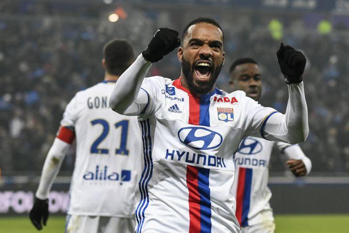 Avec 19 buts, Alexandre Lacazette est le deuxième meilleur buteur de Ligue 1 cette saison derrière Edinson Cavani (23 buts).