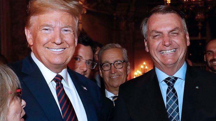 Donald Trump et Jair Bolsonaro lors d'une rencontre dans la résidence du président américain en Floride, le 12 mars 2020 (ALAN SANTOS / BRAZILIAN PRESIDENCY)