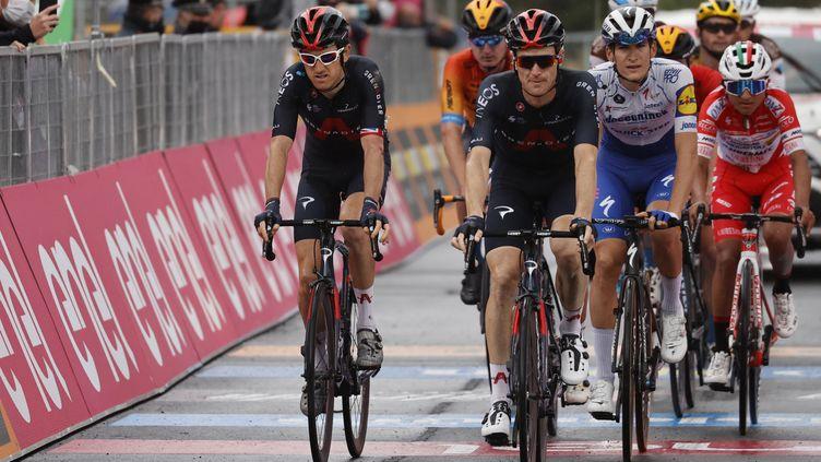 Geraint Thomas (Ineos Grenadiers) en grande souffrance à l'arrivée de la 3e étape du Giro 2020 (LUCA BETTINI / AFP)