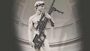 Détournement du David de Michel-Ange pour vendre des armes