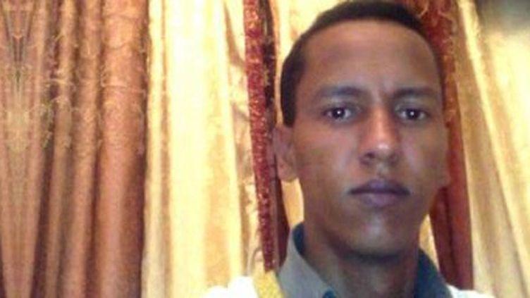 Condamné à mort pour apostasie par un tribunal de Nouadhibou, sa peine a été commuée en novembre 2017. Mohamed Ould Mkhaïtirdevait être libéré aussitôt. Il est toujours détenu au secret. (photo de son comité de soutien sur Facebook). (DR)