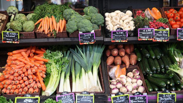 """Des producteursfrançais ont annoncé la création d'un nouveau label garantissant au consommateur """"zéro résidu de pesticides"""" sur leurs fruits et légumes, mercredi 7 février. (MAXPPP)"""