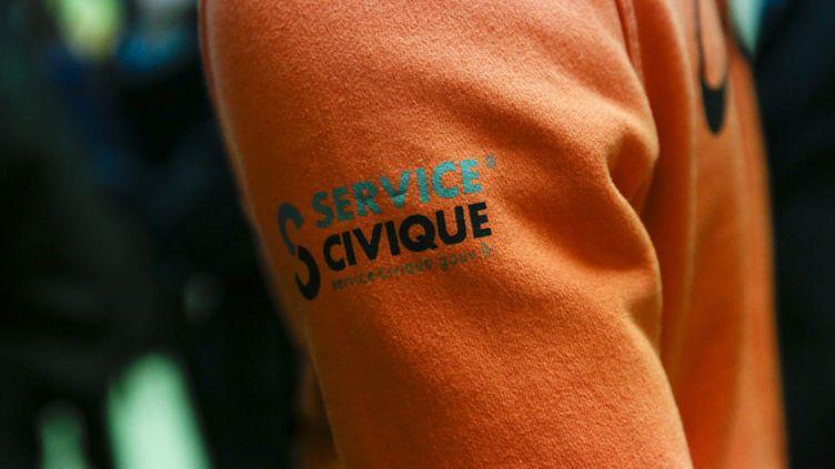 "(Pull ""Service civique"" © Maxppp)"