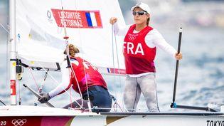 Camille Lecointre et Aloise Retornaz sur l'épreuve de voile, catégorie 470, des Jeux olympiques de Tokyo. (AGENCE KMSP / KMSP)