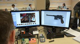 Les armes étaient vendues sur internet et acheminées par voie postale. (  MAXPPP)