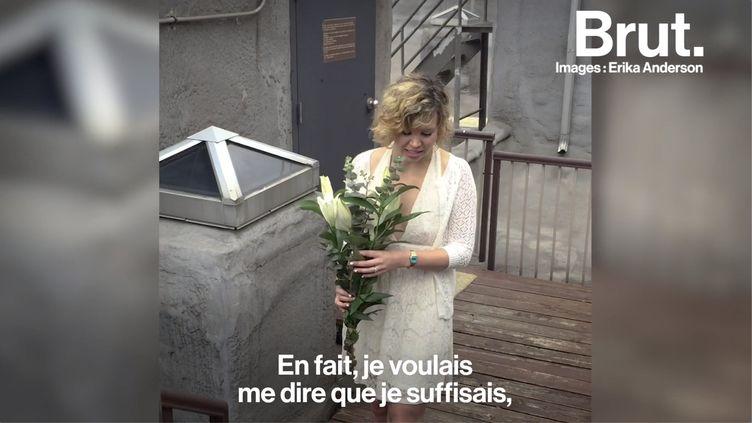 VIDEO. Aux États-Unis, elle se marie avec elle-même en signe d'émancipation (BRUT)