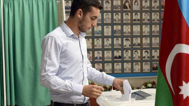 Référendum du lundi 26 août 2016 sur une modification de la Constitution censée accorder plus de pouvoirs au président Ilham Aliev. (TOFIK BABAYEV / AFP)