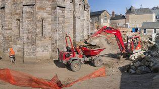 L'opération archéologique autour de la cathédrale du Mans.  (E. Collado, Inrap)