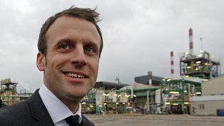 Emmanuel Macron, le 28 janvier 2016 àFos-sur-Mer (Bouches-du-Rhône). (JEAN-PAUL PELISSIER / REUTERS)