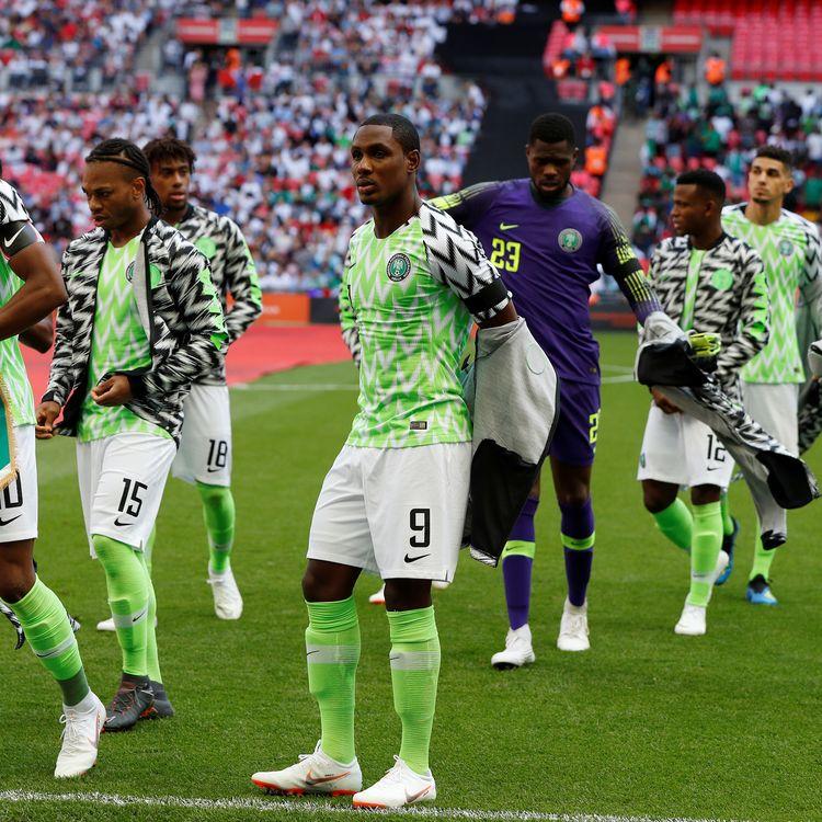 Les joueurs du Nigeriaavant un match de préparation à la Coupe du monde contre l'Angleterre, à Londres, le 2 juin 2018. (JOHN SIBLEY / REUTERS)
