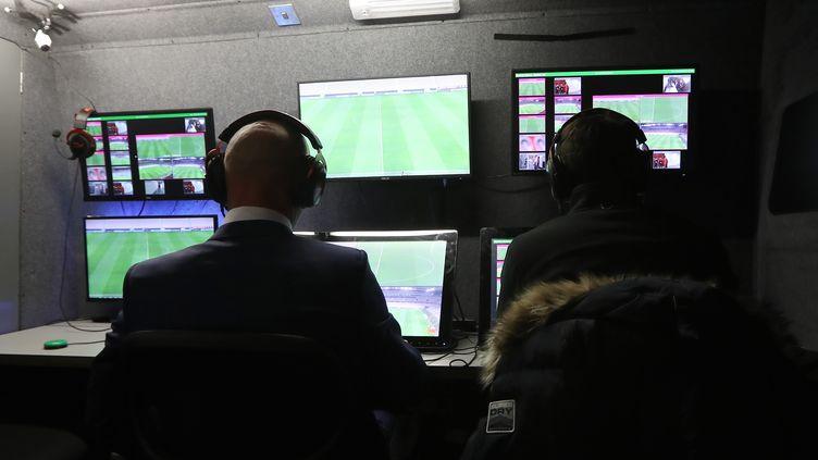 L'assistance vidéo à l'arbitrage a été expérimenté en Franc eà l'occasion d'un match de Coupe de la Ligue, le 9 janvier 2018 à Nice (Alpes-Maritimes). (VALERY HACHE / AFP)