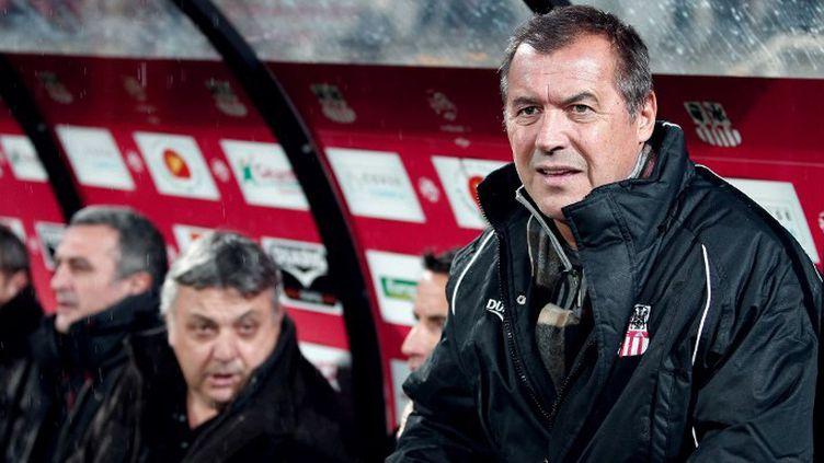 Albert Emon entraîneur de l'AC Ajaccio (PASCAL POCHARD-CASABIANCA / AFP)