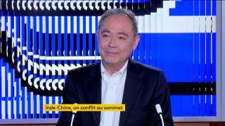 Alain Wang, journaliste et sinologue, était l'invité du journal de 23 heures de franceinfo, vendredi 26 juin. Il décrypte les tensions entre l'Inde et la Chine. (FRANCEINFO)