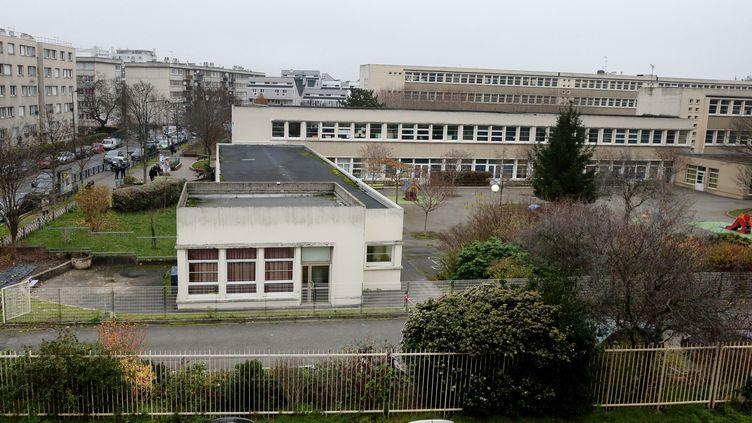 Vue de l'école maternelle Jean-Perrin à Aubervilliers, le 14 décembre 2015. (JACQUES DEMARTHON / AFP)