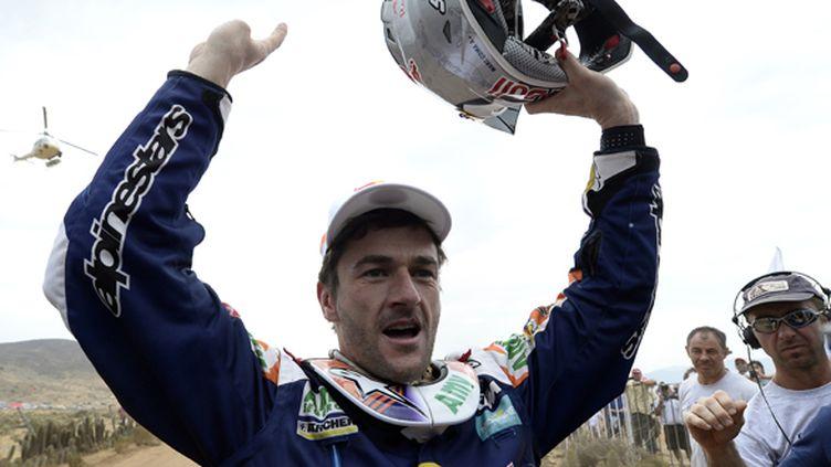 Marc Coma savoure sa nouvelle victoire sur le Dakar (FRANCK FIFE / AFP)