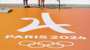 Le logo Paris 2024 sur la place de la Concorde à Paris, le 23 juin 2019. (GARDEL BERTRAND / HEMIS.FR / AFP)