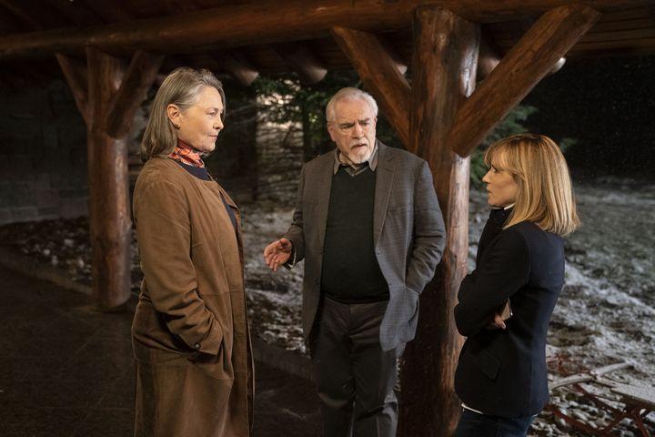 """Extrait de l'épisode 6 de la saison 2 de """"Succession"""" avec Holly Hunter (à droite) et Cherry Jones (à gauche). (HBO)"""