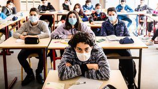 Une classe de 4eme, le 15 mars 2021, à Perpignan (Pyrénées-Orientales). (JC MILHET / HANS LUCAS / AFP)
