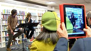 Emmanuelle Béart se mobilise pour une librairie de Clermont-Ferrand  (France3/Culturebox)