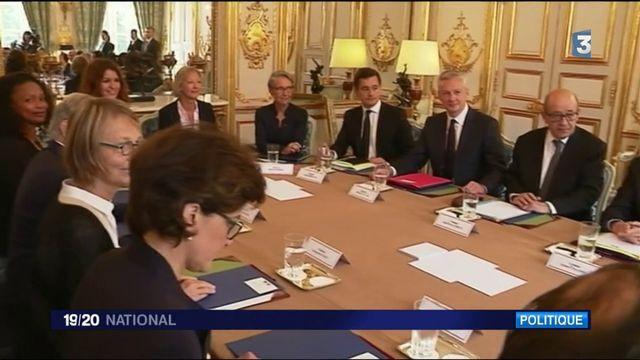 Premier Conseil des ministres en ordre de marche