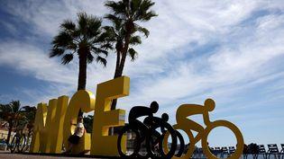 Le logo du Tour de France 2020 qui partira de Nice, le 29 août 2020. (KENZO TRIBOUILLARD / AFP)