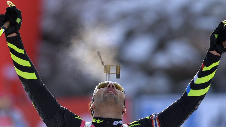 Martin Fourcade a réussi le doublé à Oberhof (SAMUEL KUBANI / AFP)