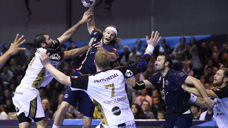 Mikkel Hansen au-dessus de la mêlée  (JEAN MARIE HERVIO / DPPI MEDIA)