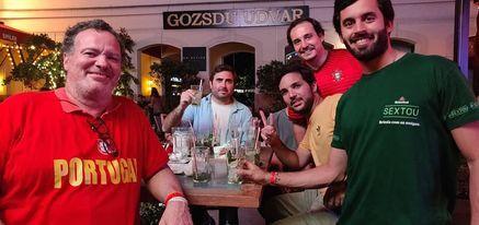 Miguel (gauche) est arrivé à Budapest la veille du match entre la France et le Portugal à l'Euro 2021, prévu le 23 juin. (FRANCEINFO / ANDREA LA PERNA)