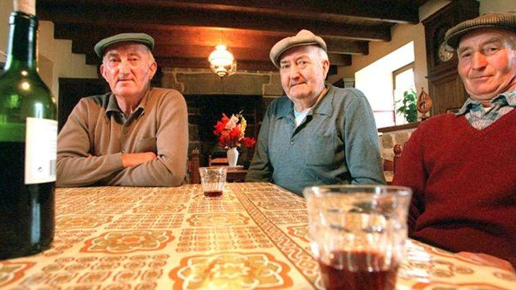 Yvon, François et Henri Morvan, à Saint-Servais (2/9/1998)  (AFP / Marcel Mochet)