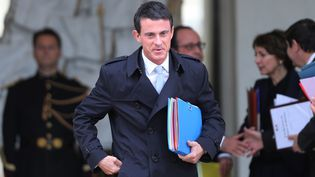 Le Premier ministre Manuel Valls quitte l'Elysée le 28 octobre 2015 à Paris. (CITIZENSIDE/YANN BOHAC / CITIZENSIDE.COM)