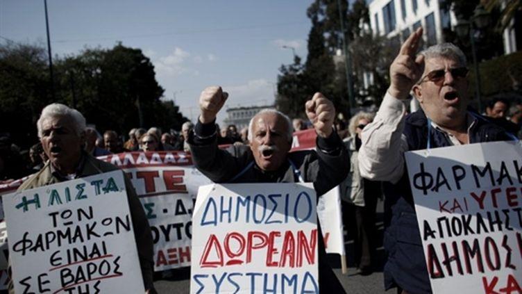 Manifestation à Athènes en protestation contre les nouvelles mesures d'austérité annoncées le 11 février 2011 (AFP/Angelos Tzortzinis)
