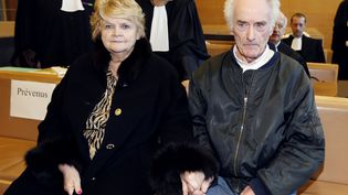 Danielle et Pierre Le Guennec au tribunal de Grasse (Alpes-Maritimes), le 10 février 2015. (VALERY HACHE / AFP)
