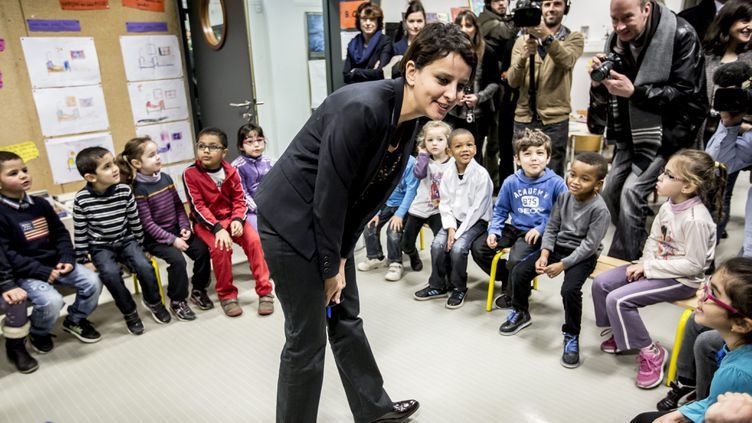 """(La ministre de l'Education nationale, Najat Vallaud-Belkacem en janvier dernier en janvier dernier, lors de la présentation d'un des modules des """"ABCD de l'égalité"""" © Maxppp)"""