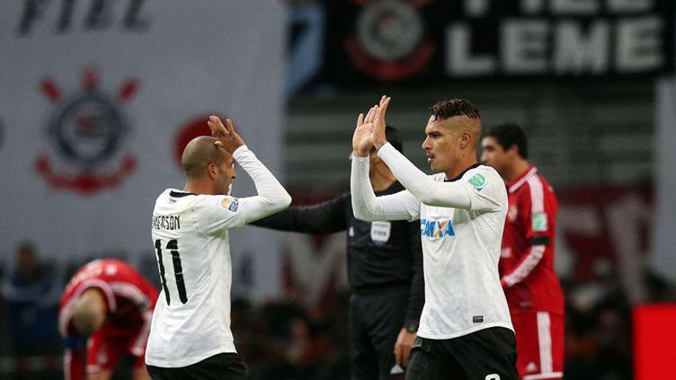 Les Corinthians soulèvent le trophée de la Copa Libertadores