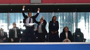 Le président de la République Emmanuel Macron fête le but de la France en demi-finale du Mondial 2018 contre la Belgique, le 10 juillet 2018 à Saint-Pétersbourg (Russie). (GIUSEPPE CACACE / AFP)