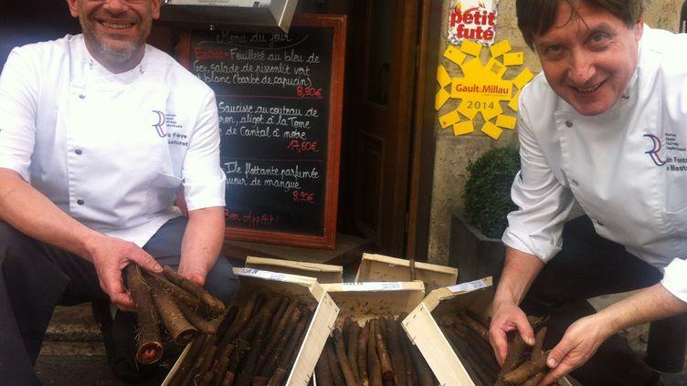 Régis Fève, chef de cuisine, etAlain Fontaine, propriétaire du restaurant Le Mesturet, le 2 mars 2016. (FACEBOOK / LE MESTURET)