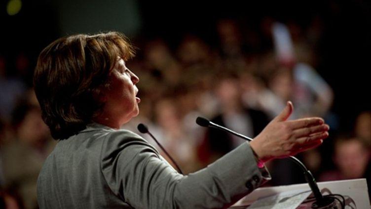 Martine Aubry devant le Mouvement des jeunes socialistes, le 2 avril 2011 à Paris. (AFP - Martin Bureau)