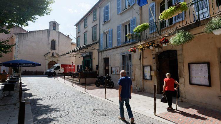Dans la commune de Signes dans le Var le lendemain de la mort du maire de communeJean-Mathieu Michel, le 6 août 2019 (photo d'illustration). (DOMINIQUE LERICHE / MAXPPP)